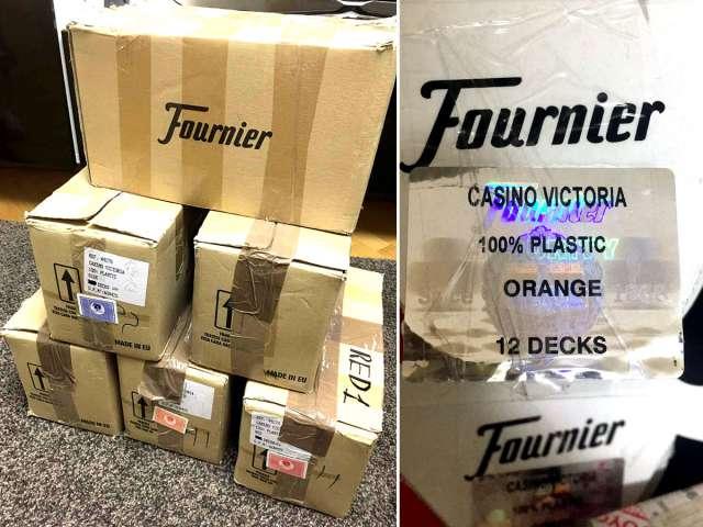 Коробка Fournier 2818 из казино Victoria (72 колоды)
